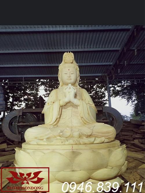 tượng phật bà quan âm ngồi đài sen chất liệu gỗ mít ms17